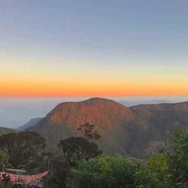 Adam's Peak zonsopgang cover