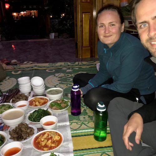 Annick en Gieljan eten Vietnam