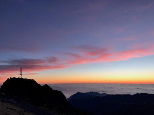 Gekleurde zonsopgang bij Pico de Areeiro