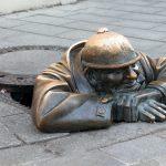 man at work cumil Bratislava Slowakije
