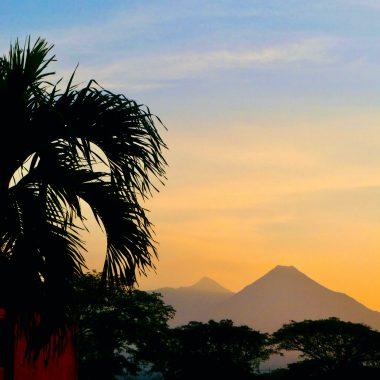 uitzicht op vulkaan Colima en Fuego Mexico