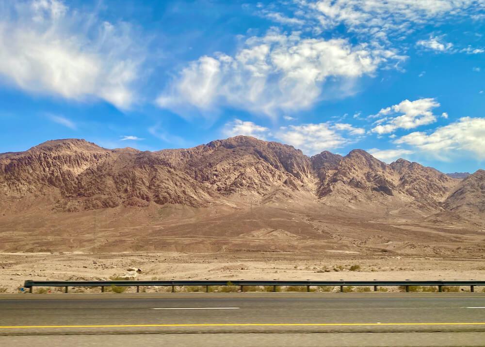 Onderweg van Amman naar Aqaba met de bus
